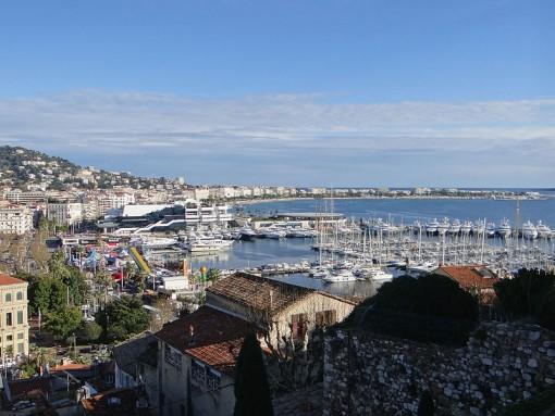800px-Cannes_vu_du_Suquet