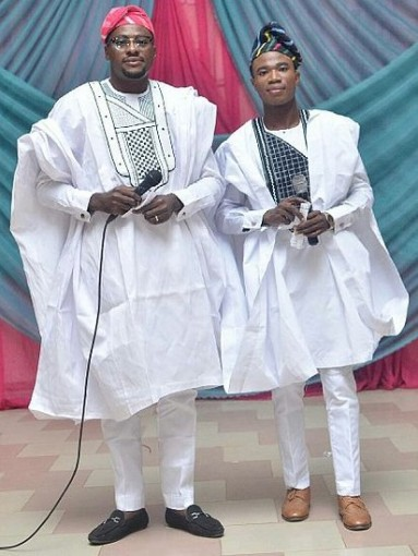Boys_wearing_the_traditional_african_attire_called_Agbada.jpeg
