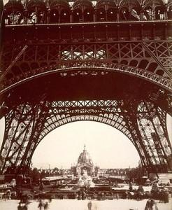Tour_Eiffel_exposition_universelle_1889