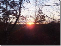1024px-New_Sunrises_in_M.t_Rokko_2013_No,5