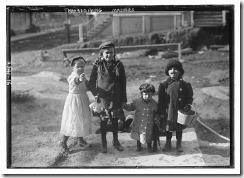 tumblr_mwy0rp0qFU1sdzmuoo6_1911 Thanksgiving maskers