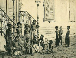 កូនអើយគេងទៅ - Cambodian Children's Songs - Cambodia - Mama Lisa's World: Children's Songs and Rhymes from Around the World  - Intro Image