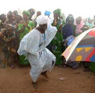 Tue Tue Mareema - Chansons enfantines guinéennes  - Guinée - Mama Lisa's World en français: Comptines et chansons pour les enfants du monde entier  - Intro Image